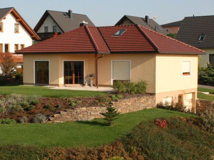 massivhaus bungalow. Black Bedroom Furniture Sets. Home Design Ideas